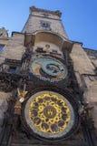 老城镇厅,天文学时钟 免版税图库摄影