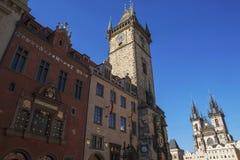 老城镇厅,天文学时钟 免版税库存图片