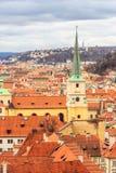 老城镇布拉格屋顶  免版税库存照片