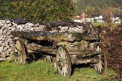 老堆木头在乡下 库存图片
