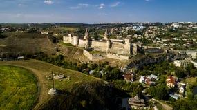 老堡垒鸟瞰图  石城堡在市Kamenets波多尔斯基 美丽的老城堡在乌克兰 库存图片