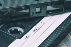 老塑料卡型盒式录音机 免版税库存照片