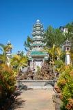 老塔在一个佛教徒修道院林儿子的庭院里 大叻市,越南 免版税库存照片