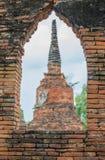 老塔Wat Mahathat 阿尤特拉利夫雷斯 库存照片