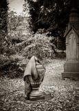 老墓地,辛尼克,比利时 免版税库存图片