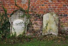 老墓碑细节  库存照片