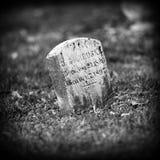 老墓碑 图库摄影