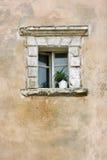 老墙壁视窗 库存图片