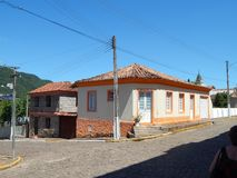 老壁角房子和石房子 库存图片