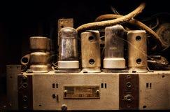 老多灰尘的电设备内部 免版税库存图片