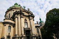 老多米尼克大教堂主要门面由树的 库存图片