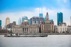 老大厦上海横向  免版税图库摄影