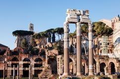 老大厦传统街道视图在2的1月5日,罗马 免版税库存图片