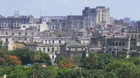 老大厦移动式摄影车大角度建立的射击在哈瓦那古巴 影视素材