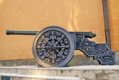 老大炮在莫斯科克里姆林宫 彩色照片 库存图片