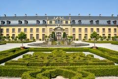 老宫殿在Herrenhausen庭院里,汉诺威,下萨克森州,德国,欧洲 免版税库存照片