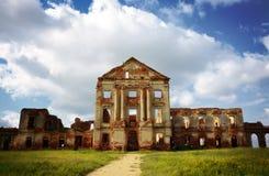 老宫殿废墟 免版税库存照片
