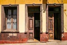 老家庭入口在瓦尔帕莱索 图库摄影