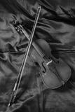 老小提琴在车间 免版税库存照片