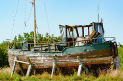 老小船捕鱼 图库摄影