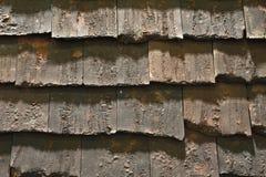 老屋顶纹理难看的东西背景 免版税图库摄影