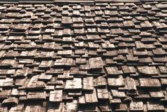 老屋顶铺磁砖了木头 库存图片