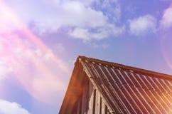 老屋顶 免版税库存照片