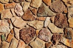 老岩石墙壁纹理 库存照片