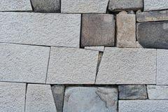 老岩石墙壁 免版税库存照片