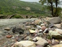 老岩石桥梁,罗多彼州山,保加利亚 免版税库存照片