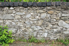 老岩石篱芭 库存照片