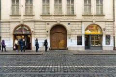老布拉格街道。食物市场。 图库摄影