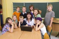 老师和孩子 库存图片