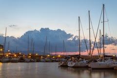 老希腊旧港口长的曝光视图在克利特 免版税库存图片