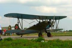 老平面双翼飞机 库存图片