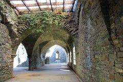 老废墟拱道 免版税库存图片
