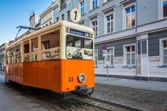 老废弃的古色古香的电车在比得哥什 库存照片