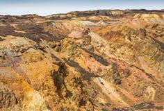 老废弃的露天开采的铜矿 免版税图库摄影