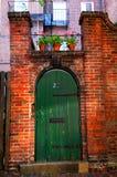 老庭院门道入口 免版税库存照片