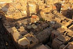 老开罗形式清真寺尖塔看法  图库摄影