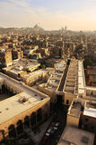 老开罗形式清真寺尖塔看法  免版税库存照片