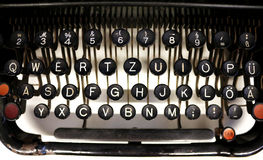 老德国打字机钥匙 免版税库存图片