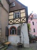 老德国的角落是在中世纪样式的一个咖啡馆 库存照片