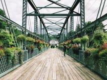 老德雷克小山花桥梁在康涅狄格 库存图片