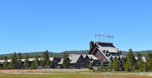 老忠实的旅馆黄石国家公园 库存照片