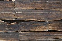 老恶化的木外墙 免版税图库摄影