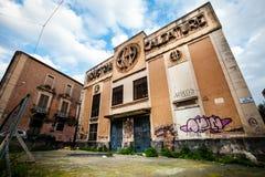 老意大利鞋类产业 退化、腐败和失败 库存照片