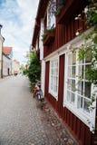老房子在一个小城市在瑞典 库存图片
