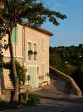 老房子在普罗旺斯村庄格朗布瓦 免版税库存图片