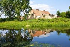 老房子在村庄 免版税库存照片